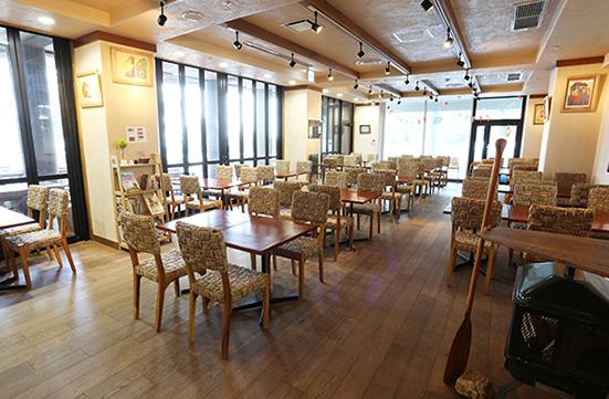 生駒山麓公園レストラン店内2